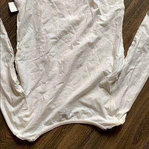 Vineyard vines white shirt